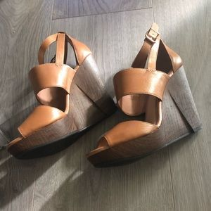 Gianni Bini wedge - size 11